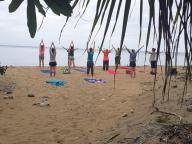 Croisière yoga en catamaran avec le Tour de Côte